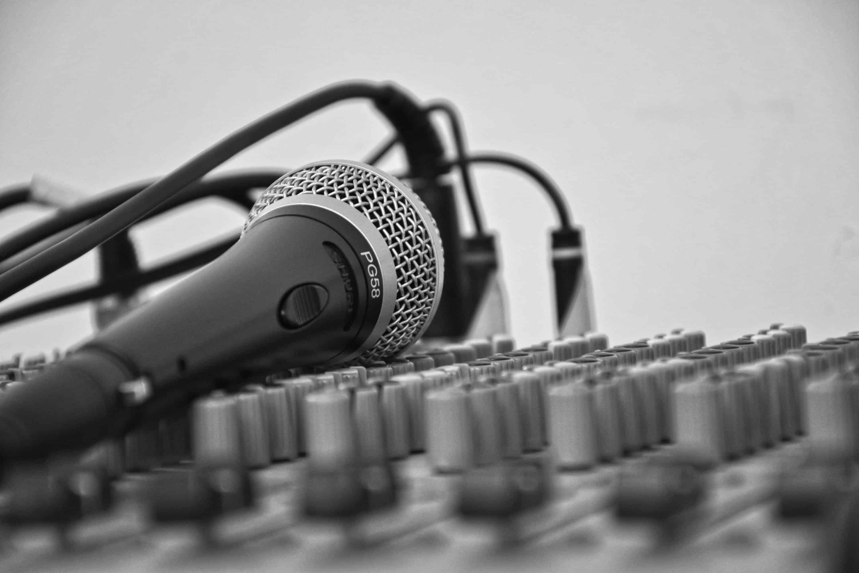 make money online as a voice over artist