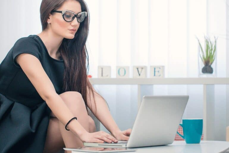Jobs Where You Work Alone (Best Jobs for Introverts)